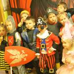 W Przedszkolu Słoneczny Domek w Starych Babicach wiele się dzieje - mamy konkurs talentów, bale, spotkania z ciekawymi ludźmiW Przedszkolu Słoneczny Domek w Starych Babicach wiele się dzieje - mamy konkurs talentów, bale, spotkania z ciekawymi ludźmi